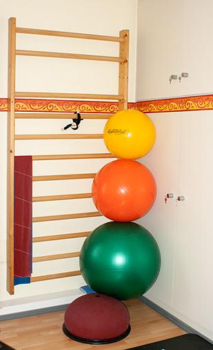 gestapelte Gymnastikbälle